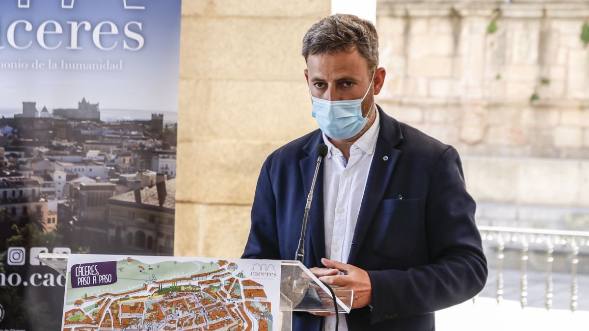 El concejal, Jorge Villar, en una foto de archivo durante la presentación de una de las campañas de turismo.