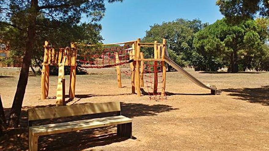 Calella inaugura un parc infantil a la zona de Prat Xirlo