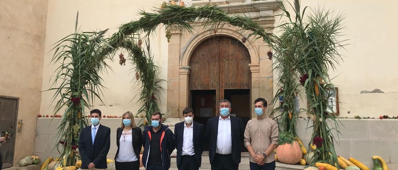 El alcalde y los ediles participaron en los actos religiosos de la jornada.