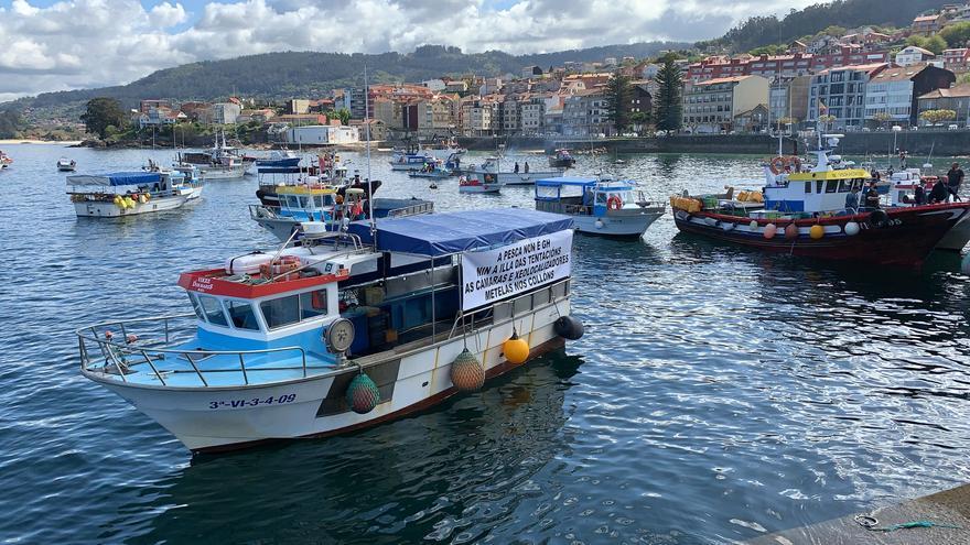 La gran pitada de los barcos gallegos contra el Reglamento de Control de Pesca