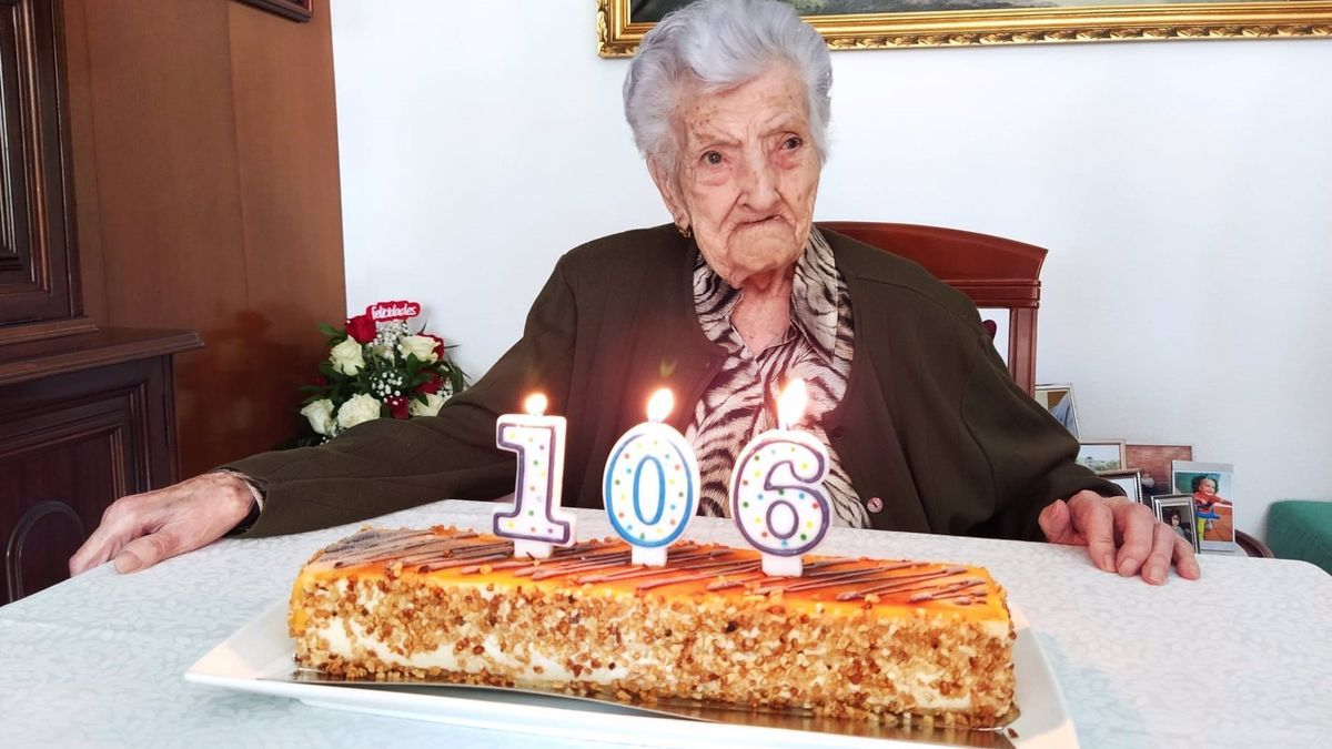 María Amella Colomina, de Tamarite de Litera, celebra sus 106 años, como una de las altoaragonesas más longevas.