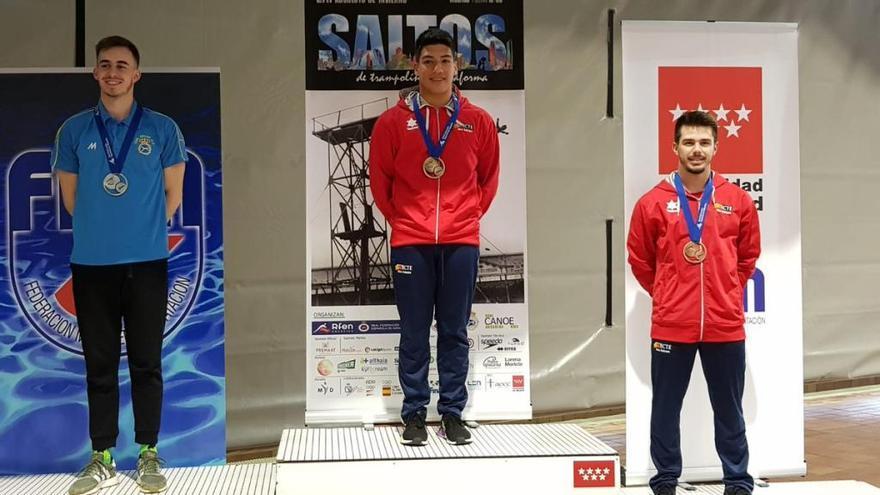Adrián Abadía gana el oro en el Nacional de saltos de trampolín