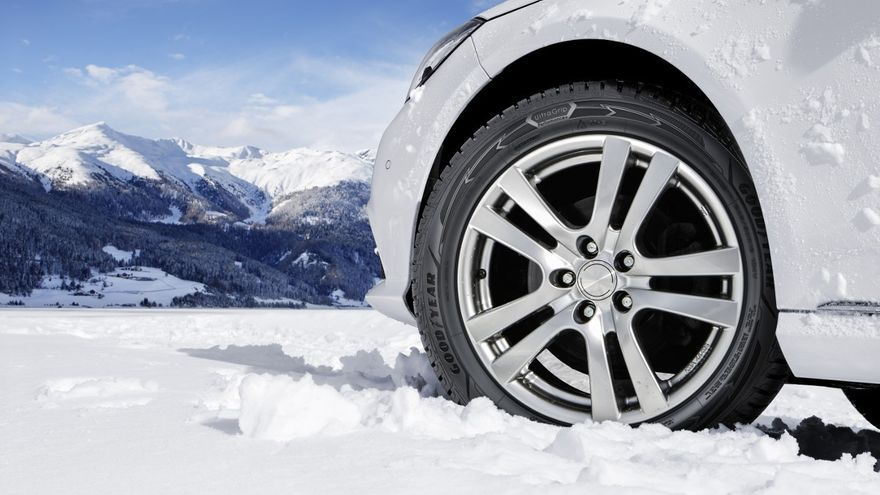 Neumático de invierno o mixto: ¿Cuál es mejor comprar para conducir con lluvia o nieve?