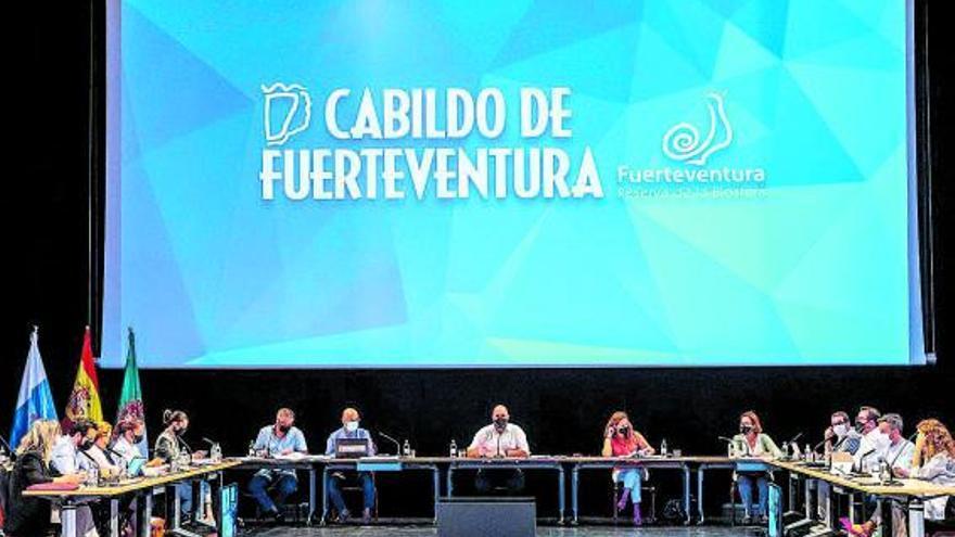 Fuerteventura aprueba su moratoria  a la entrada de energías renovables