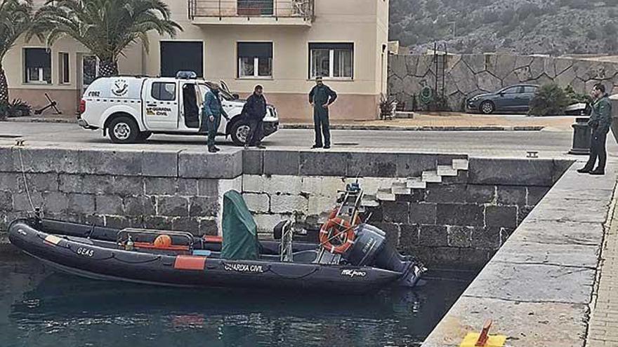 Otro helicóptero de la Guardia Civil equipado con cámaras se suma a la búsqueda de David Cabrera