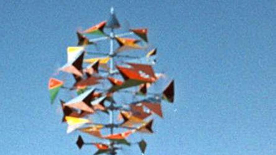 Una réplica de 'El Róbalo', de César Manrique, vuelve a Playa Jardín