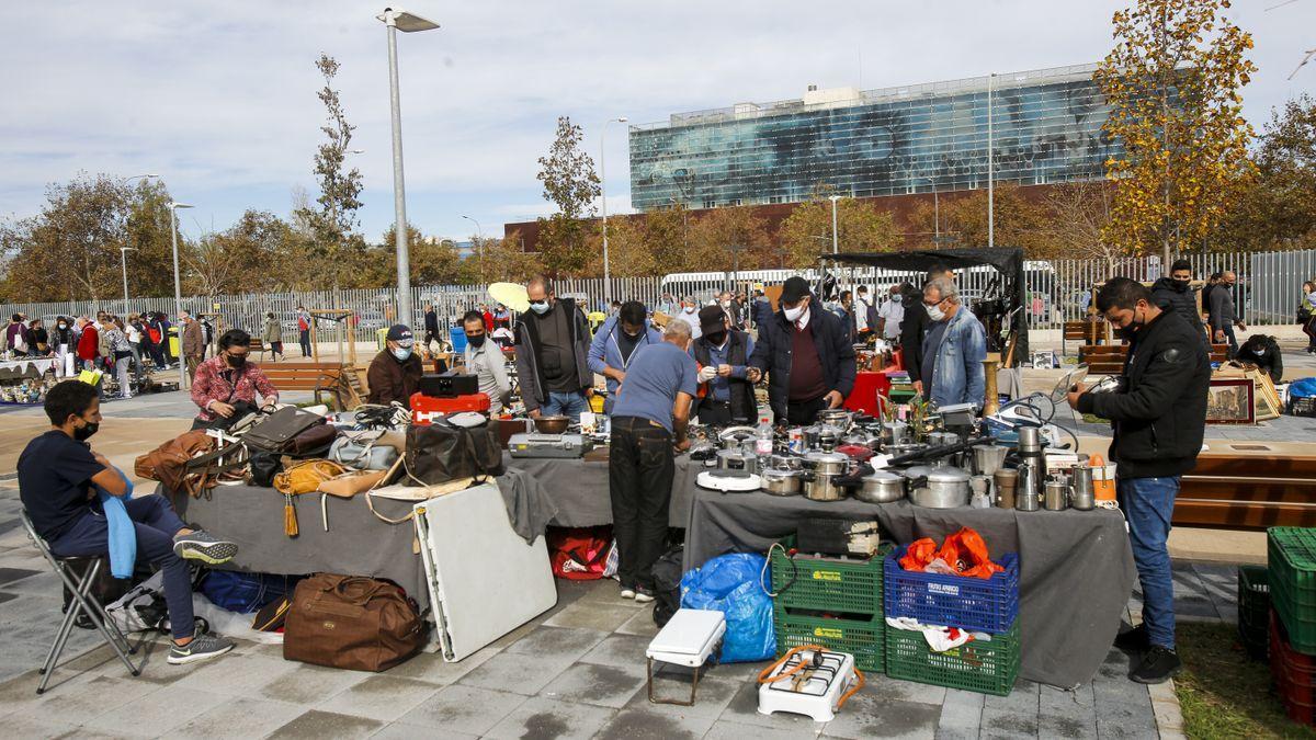 Cierran los mercadillos y el Rastro de València por las nuevas medidas contra la covid.