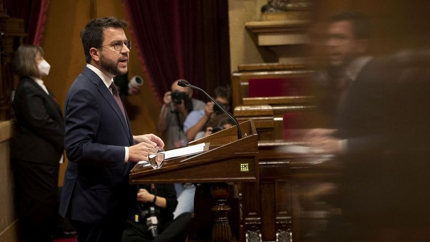 """Junts critica a Aragonès por haber obviado la """"cofrontación"""" con el Estado y más referencias a Puigdemont"""