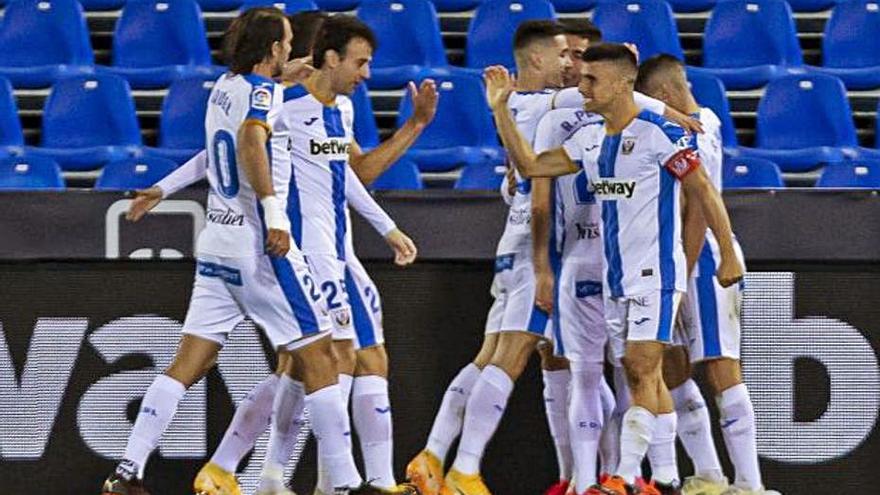 El Leganés exhibe músculo ante un Espanyol desdibujado que acabó con diez