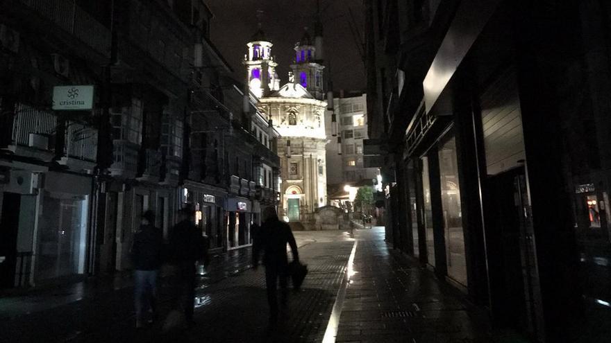 Un apagón deja a buena parte del centro de Pontevedra sin luz durante una hora