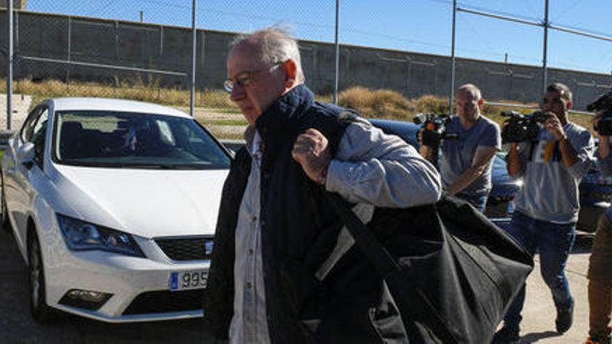 Rato abandona la presó de Soto del Real després que li hagin concedit el tercer grau