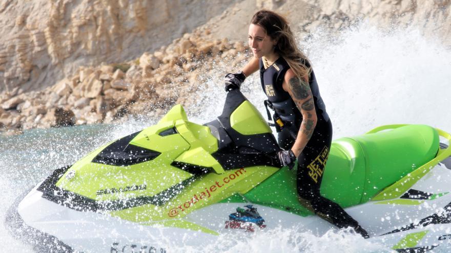 Cristina Lazarraga, de Alicante al olimpo de la moto náutica mundial