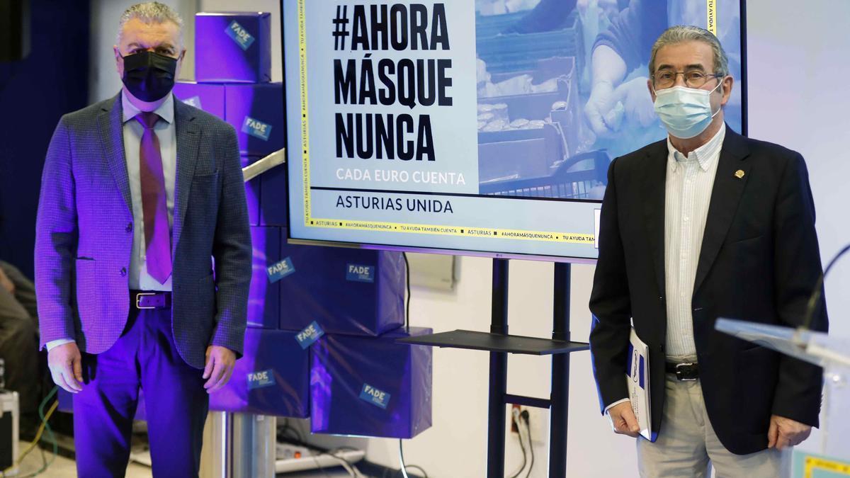 Belarmino Feito, a la izquierda, y Bernardo Sopeña, ayer, al presentar la campaña.
