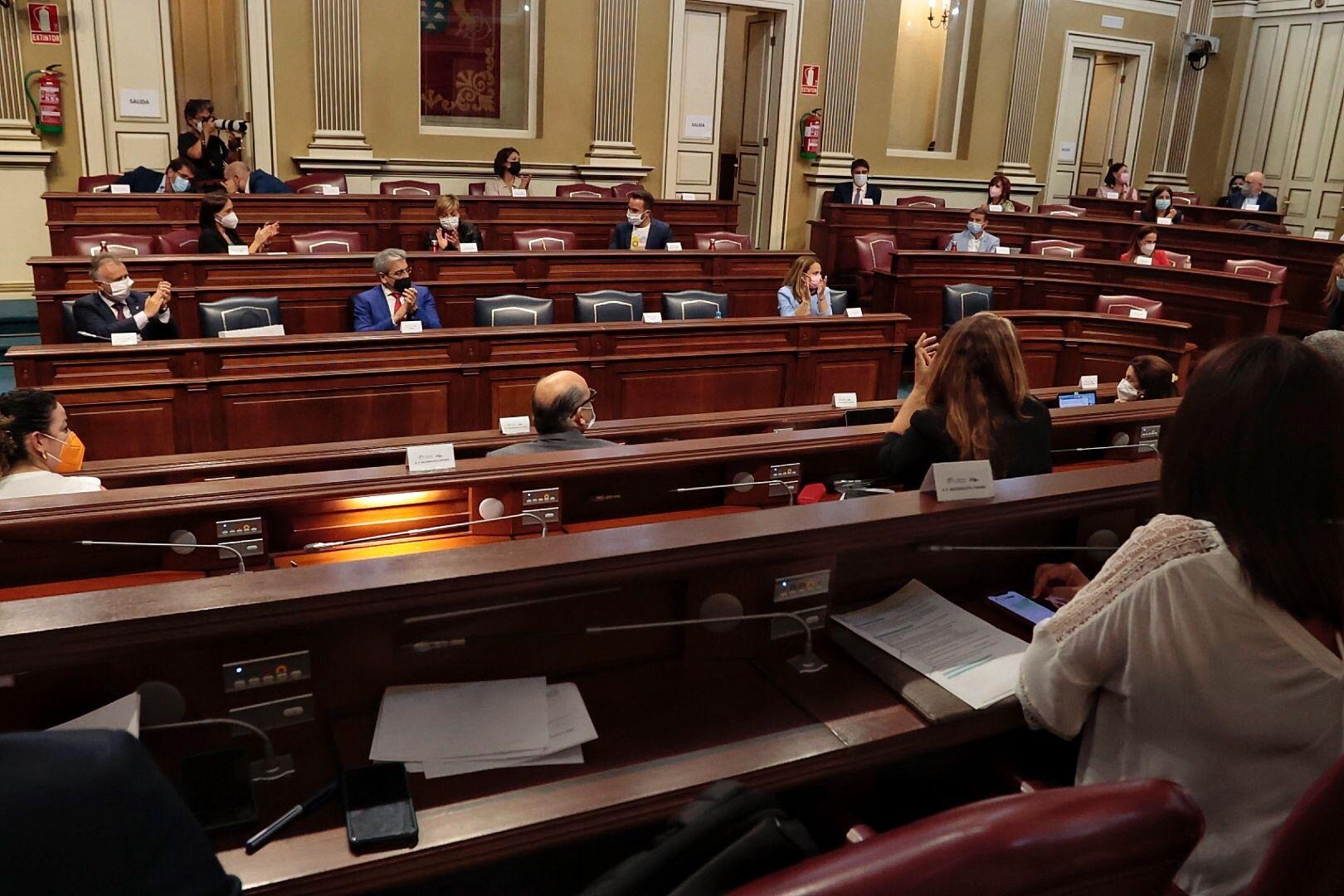 El Parlamento de Canarias aprueba la Ley Trans