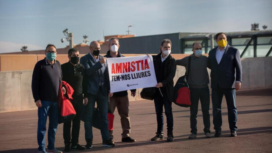 Los presos del 'procés' piden la amnistía en su salida de la cárcel