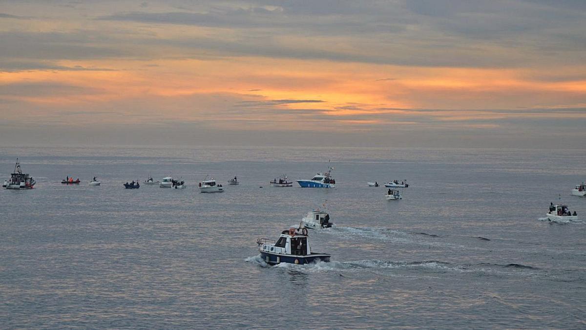 Vista general de las embarcaciones en la Alborada.   Borja García