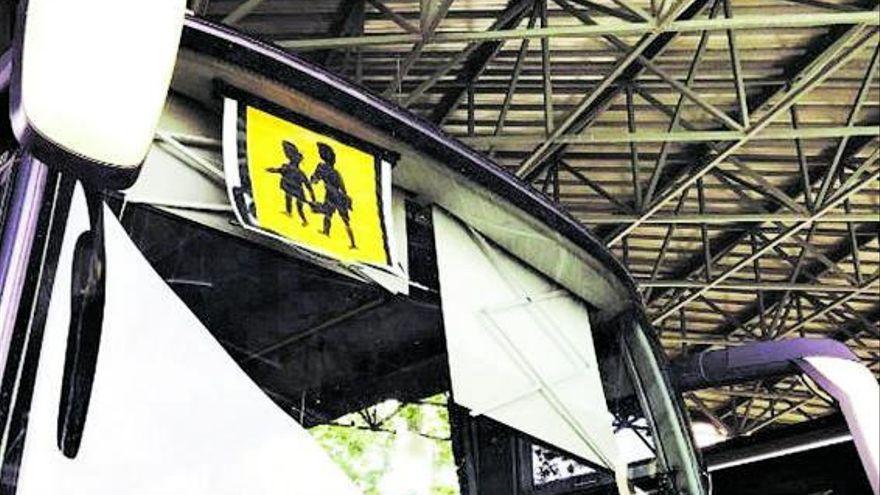 La patronal del transporte suspende el paro en las rutas escolares