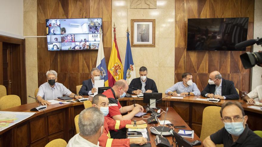 Sánchez visita La Palma por cuarta vez desde que comenzó la erupción del volcán (13/10/2021)