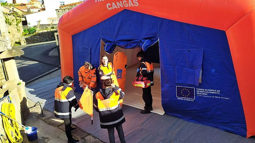Las emergencias de Cangas acampan a sus anchas