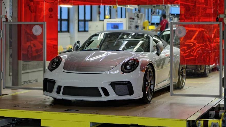 El último Porsche 911 de la generación 991 sale de la línea de producción