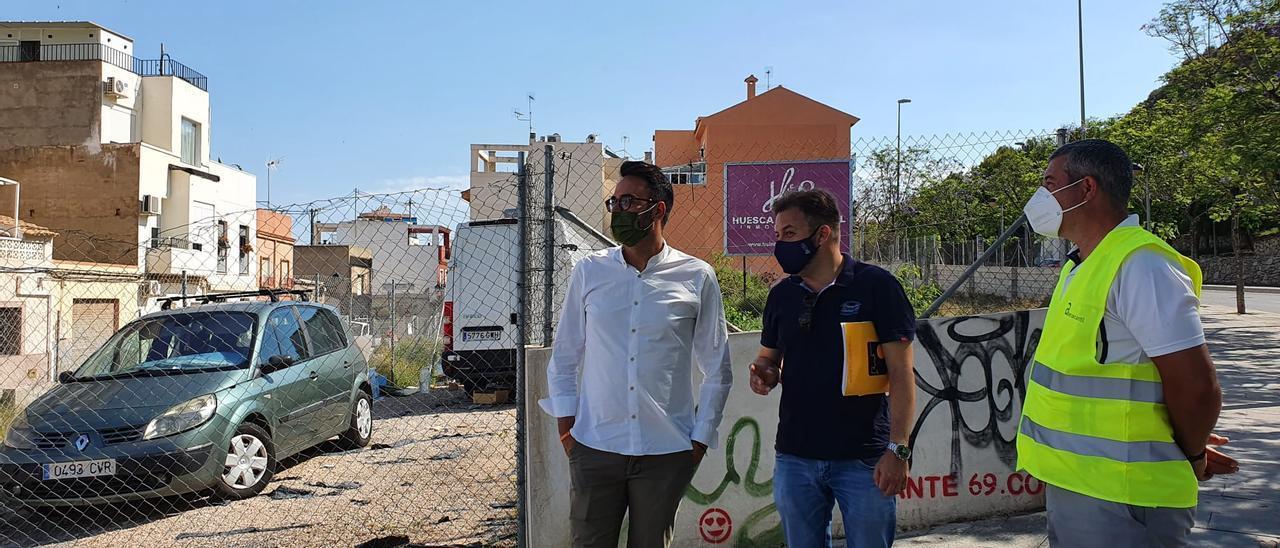 El concejal, de visita a solares de San Antón
