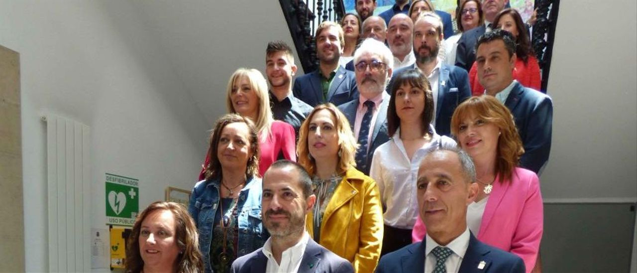 Concejales de la Corporación de Siero tras el Pleno de investidura.