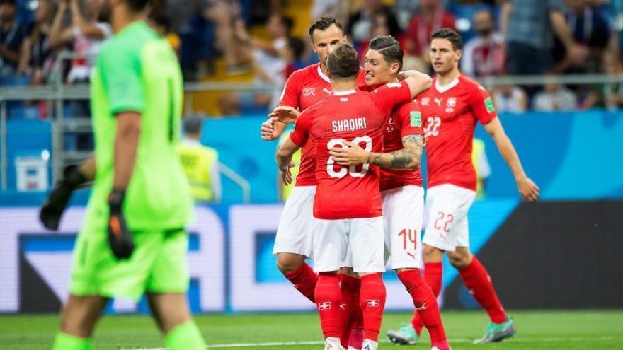 Serbia y Suiza se juegan el pase a octavos