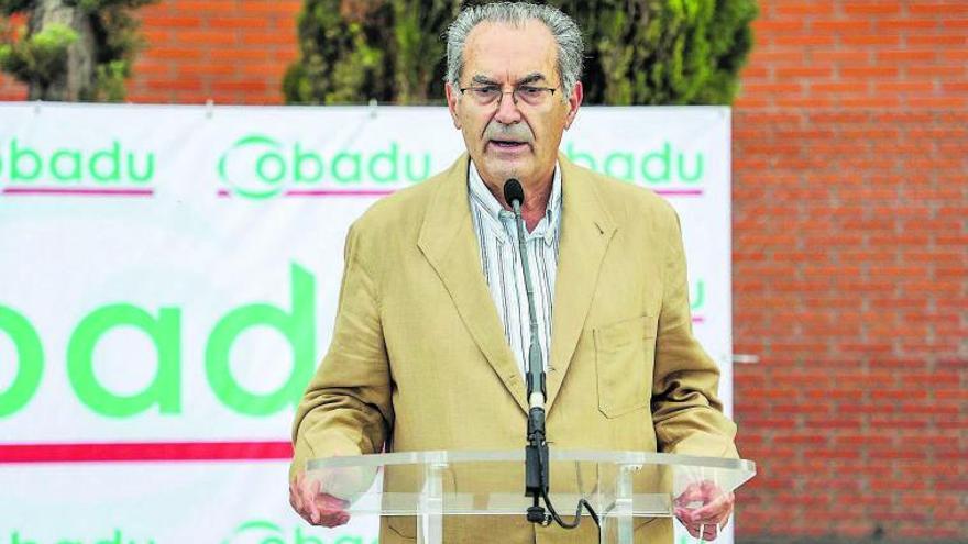El director general de Cobadu, Rafael Sánchez Olea, durante su intervención en una rueda de prensa en la sede de la cooperativa. | Nico Rodríguez