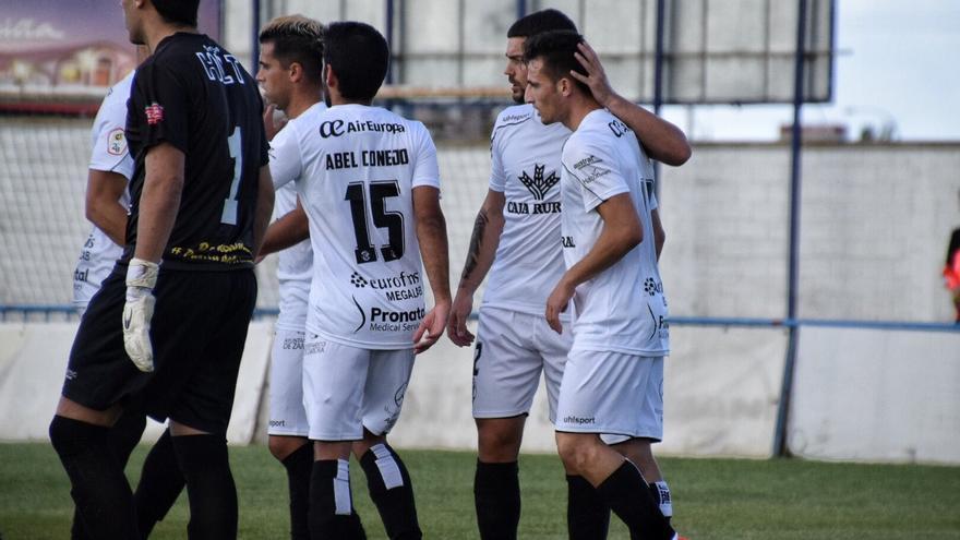 El Zamora CF supera al CD Benavente en amistoso (1-3)