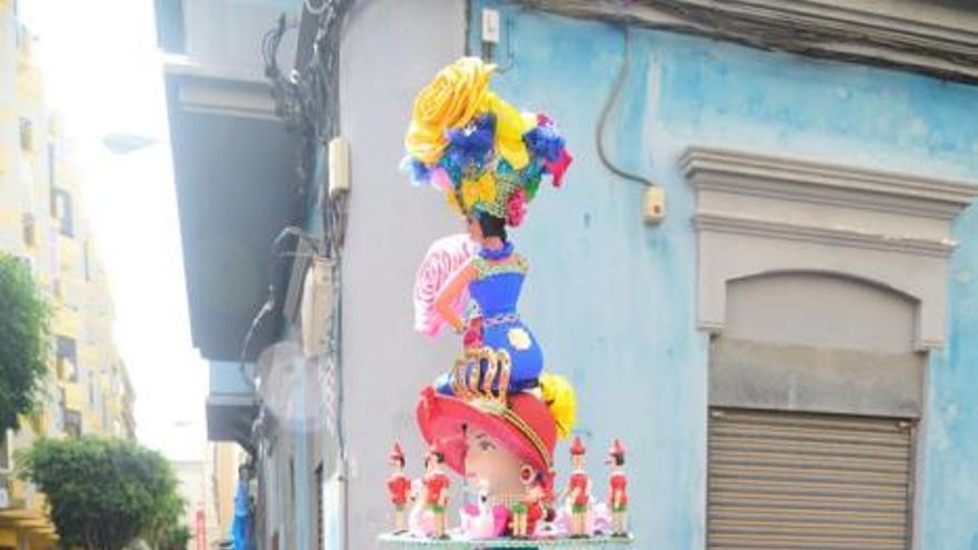 El Carnaval de Día desafía a la calima