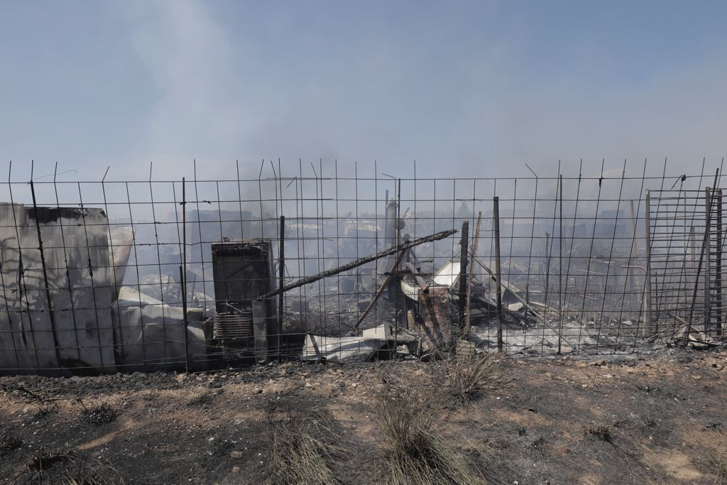 Incendio en una chatarrería en el Camí Salard de Palma
