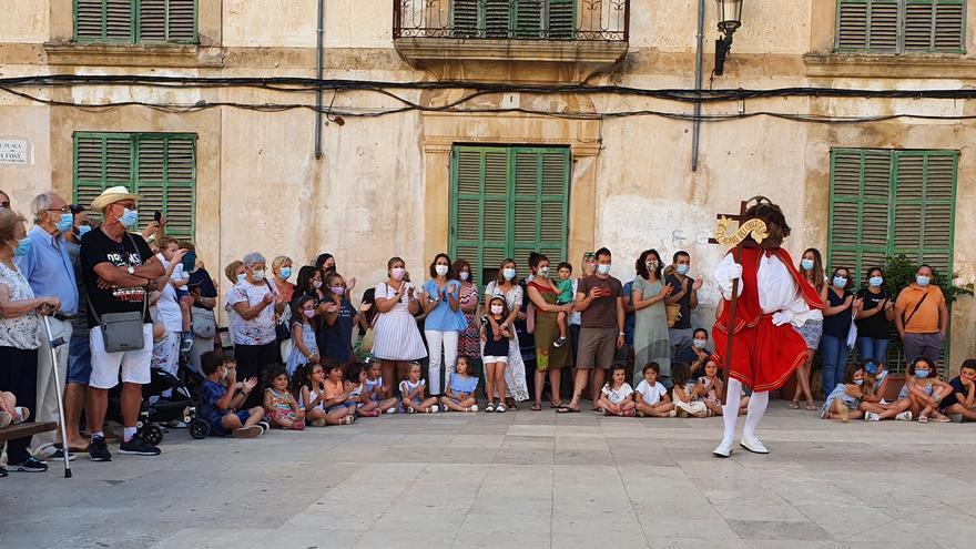 Bailes y cintas en honor a Sant Joan
