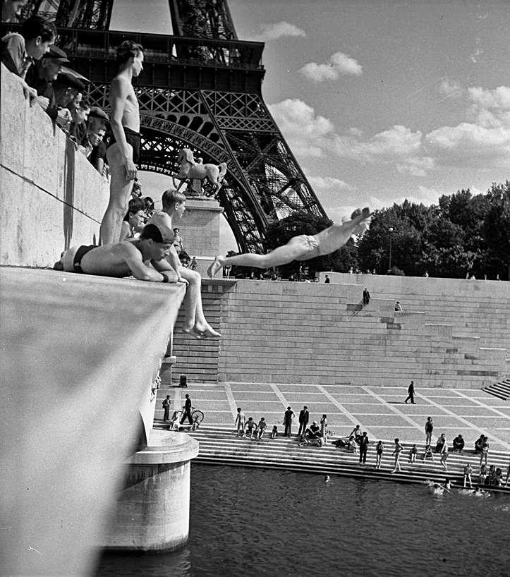 1- Bañistas en el Sena. 2- Le baiser de l'Hotel de Ville. 3-  Le harem, 1958. 4- Les Tatous. 5- Maurice Baquet. 6- Nube y torre Eiffel.