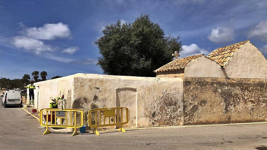 Formentera repara el muro del Fossar Vell