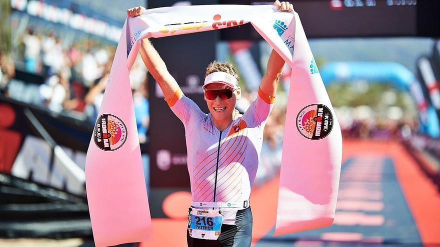 Patrick Cometta y Lucy Byram reinan en la Ironman de Marbella