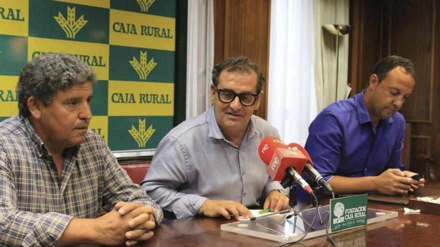 Santiago Hernández, Narciso Prieto y Manuel Fulgencio