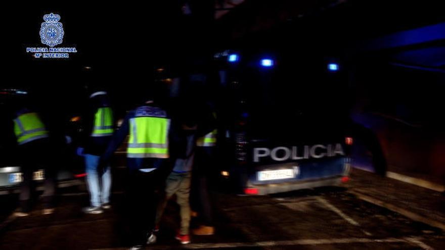 """Detenido en Madrid un español que quería ser """"el mejor francotirador del Daesh"""""""