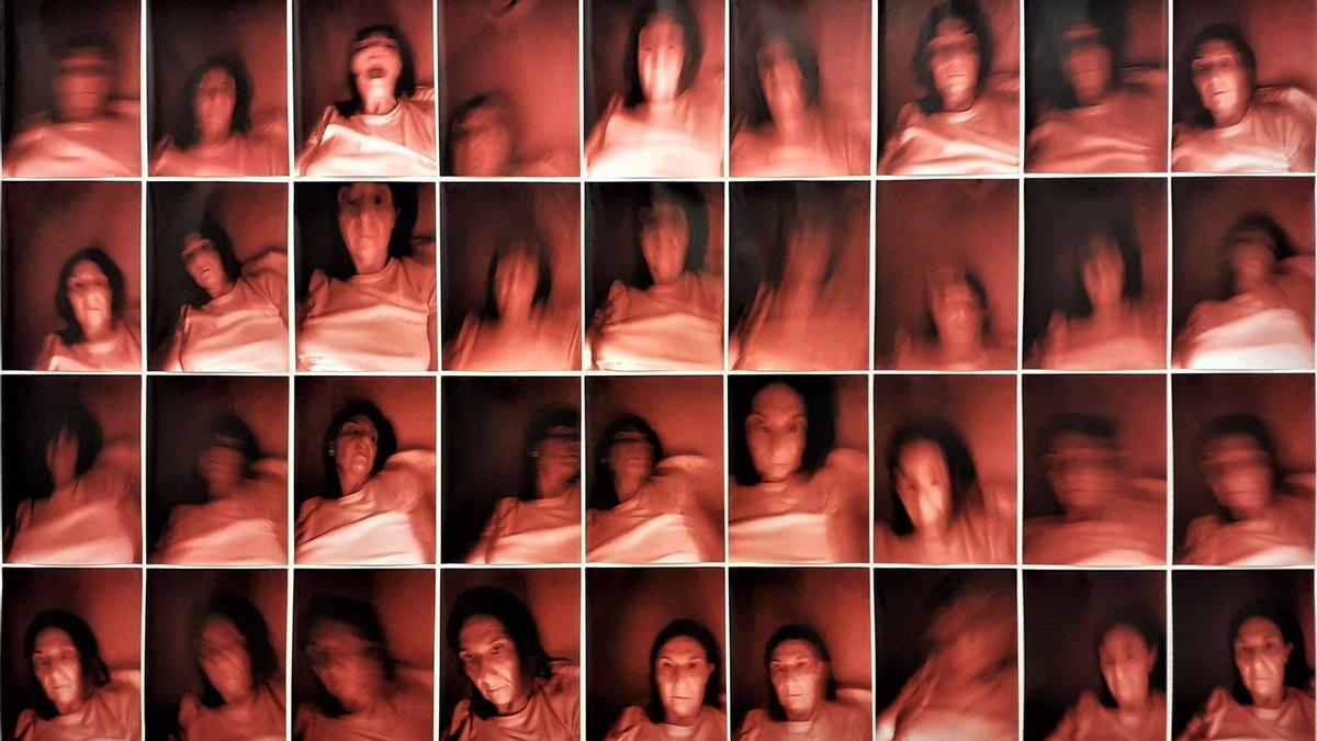Beatriz Mon ofereix una sèrie d'autoretrats i reflectogrames molt singulars en aquesta exposició.