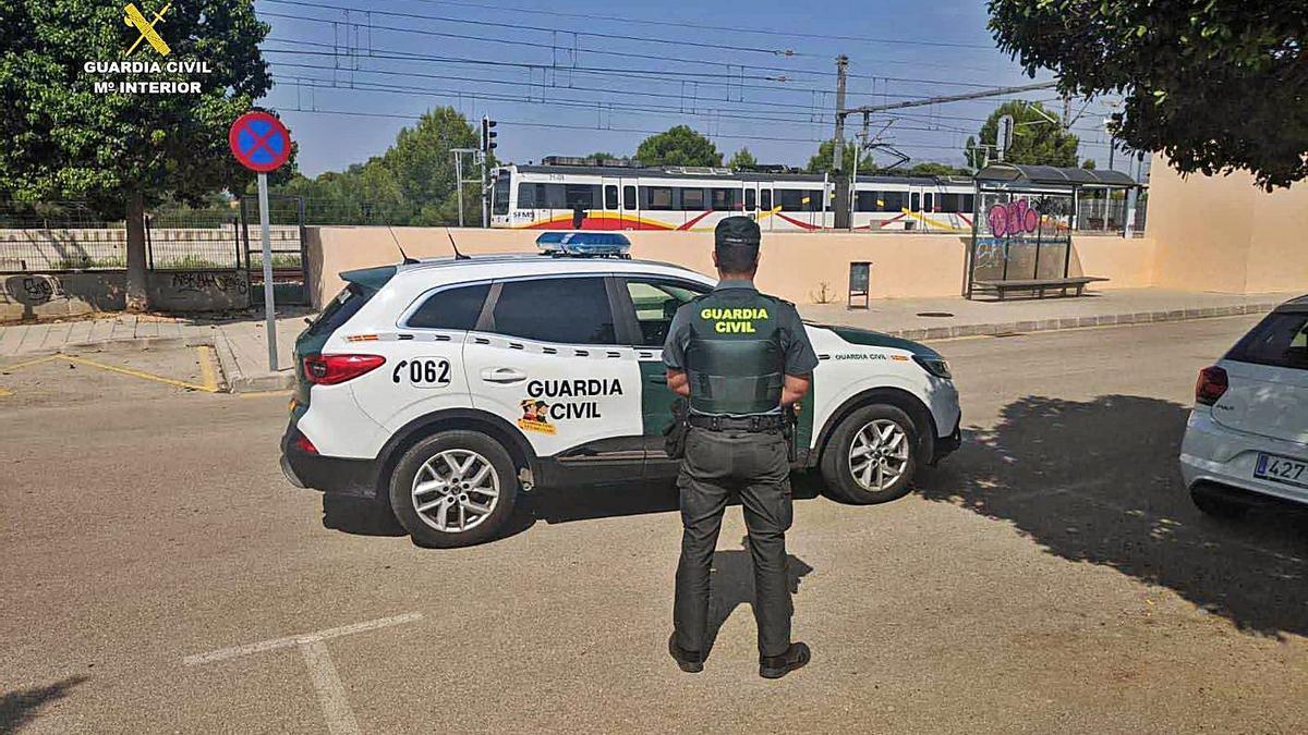 La Guardia Civil arrestó a los tres presuntos autores de la agresión sexual.