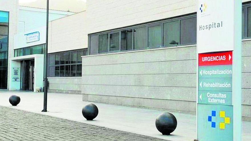 Fachada del complejo hospitalario situado en Valverde.
