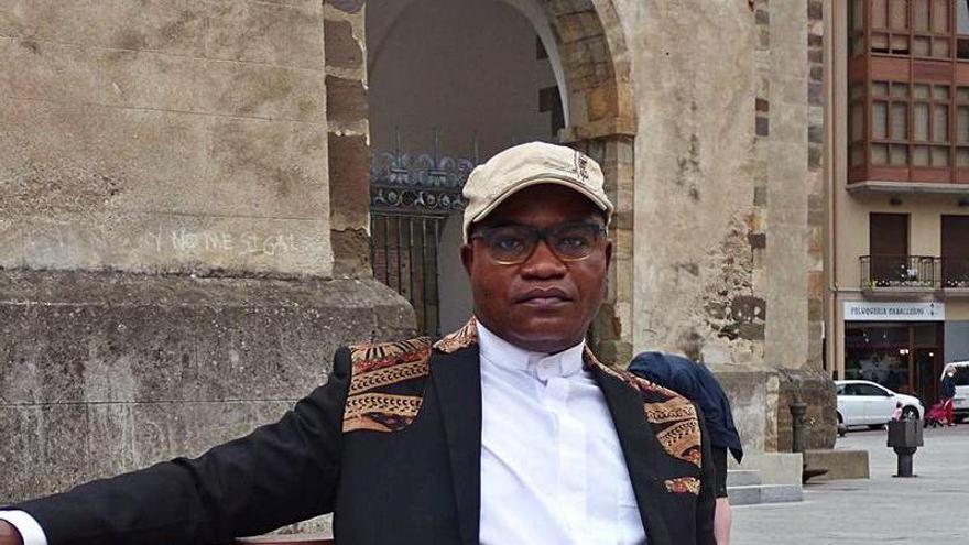 """""""En el Congo las misas no son con cinco personas como aquí, el templo está lleno"""""""