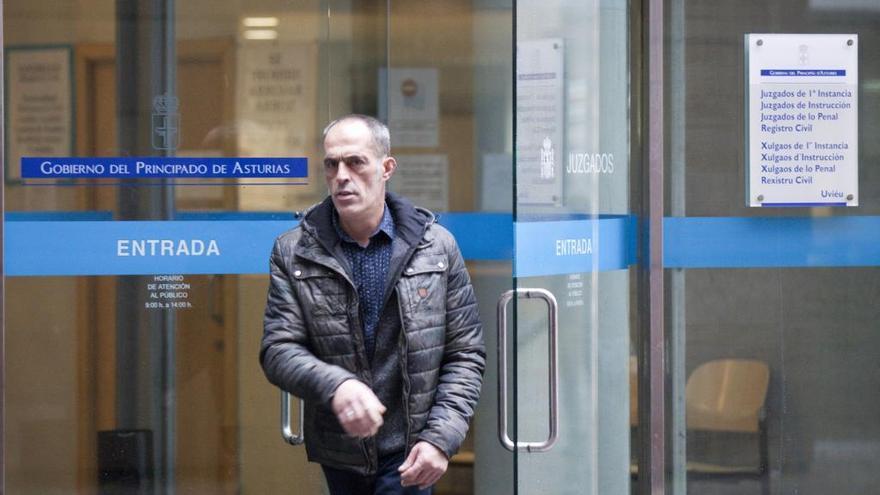 El ovetense acusado de no presentarse en la mesa electoral acepta una multa de 900 euros