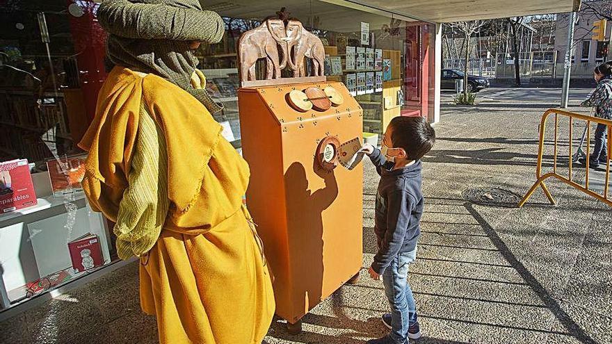 Les bústies dels Reis Mags comencena rebre cartes dels infants de Girona
