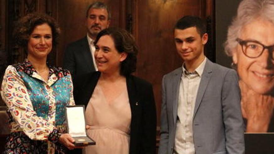 La família de Muriel Casals dóna la indemnització de l'accident a Òmnium