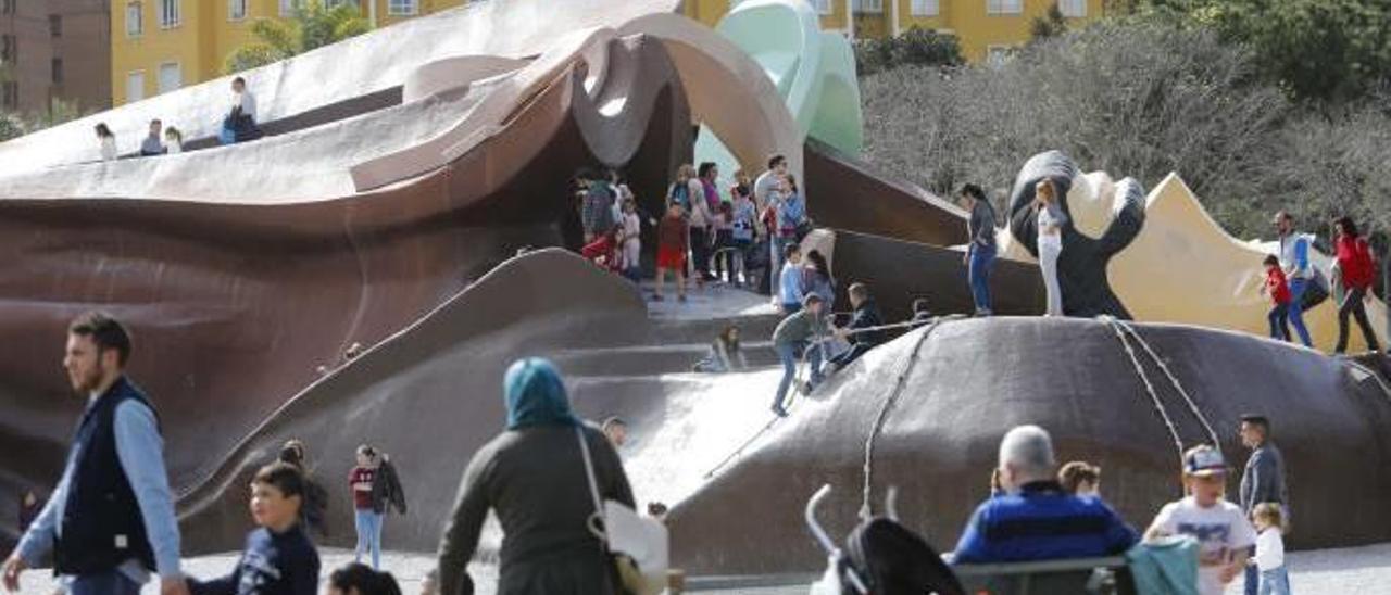 El parque Gulliver es una de las zonas más frecuentadas por la infancia en València.