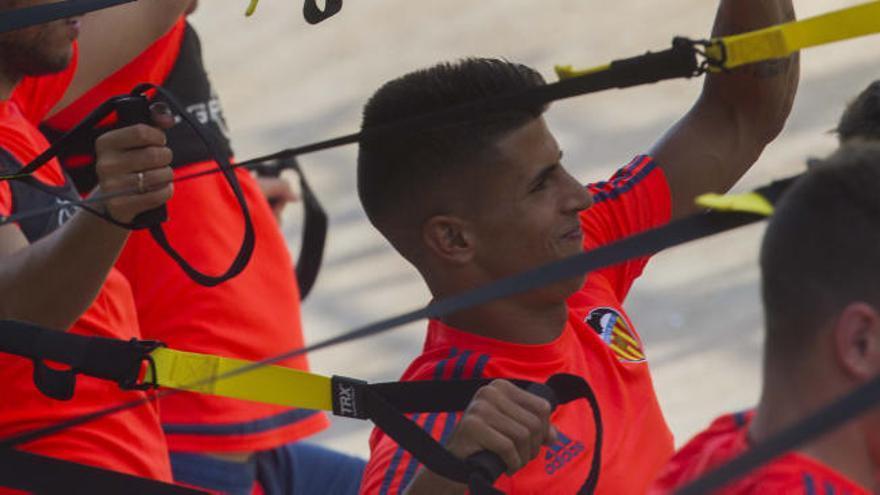 Joâo Cancelo regresa a Valencia antes de tiempo