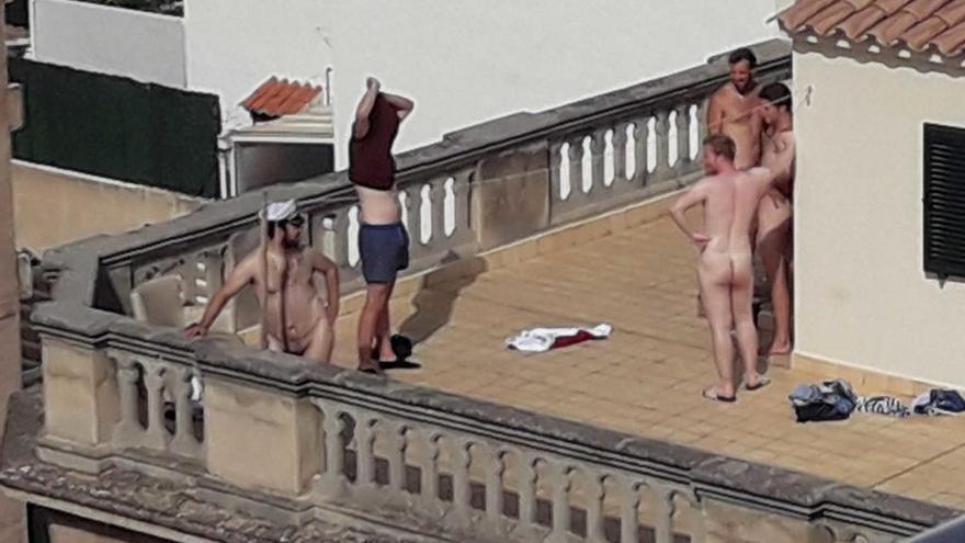 Anwohner beklagen Striptease von Feriengästen in Santa Catalina