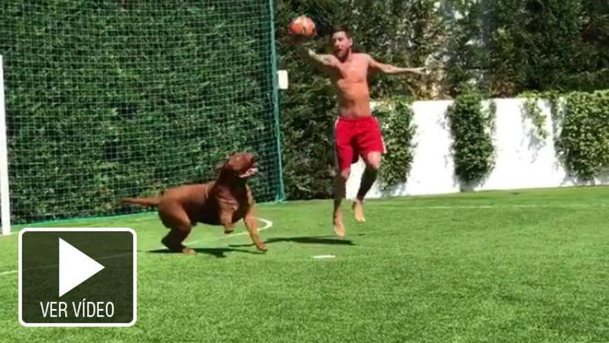 Messi baila hasta a su perro