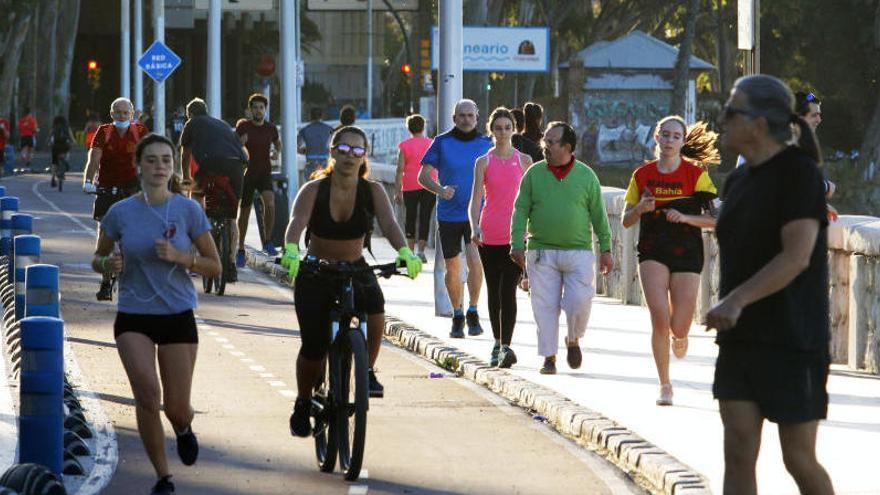 El Ayuntamiento reabre al tráfico el paseo marítimo Pablo Ruiz Picasso