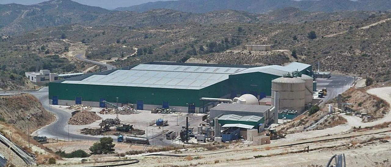 La planta de basuras de El Campello, donde se van a invertir 20 millones de euros en mejorar su funcionamiento.